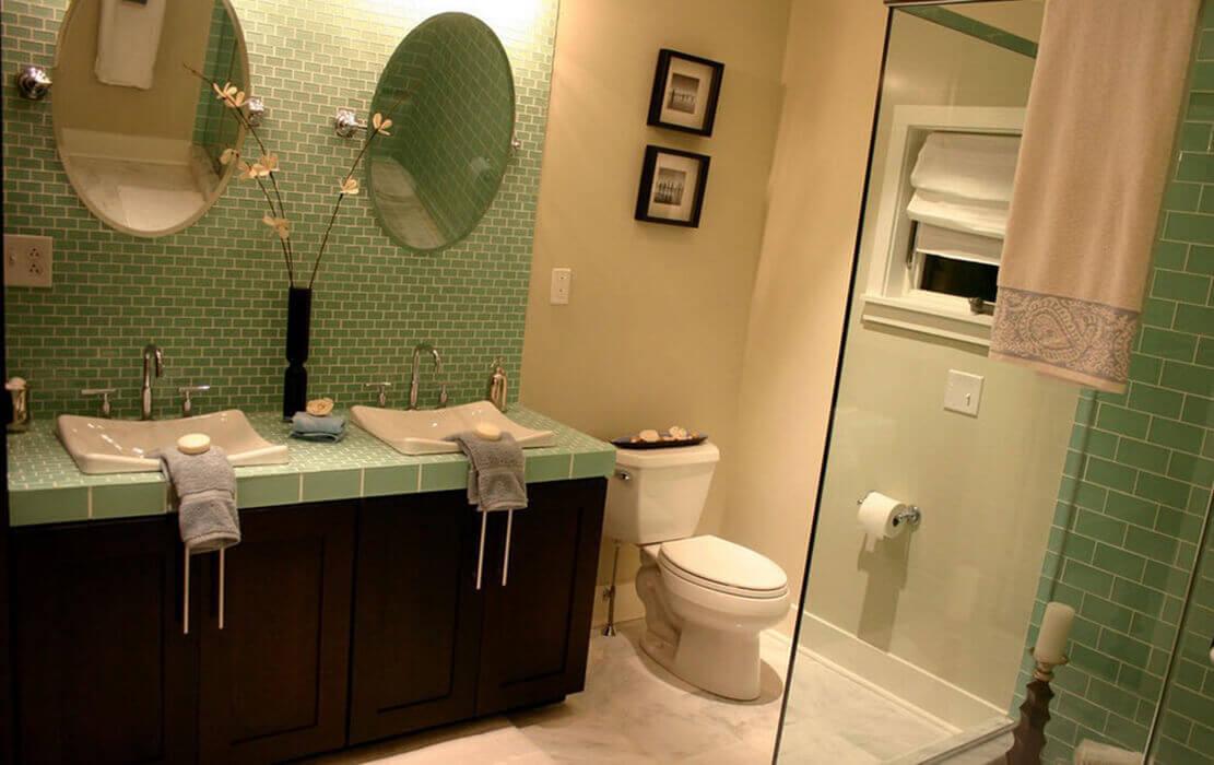 Self rimming bathroom sink